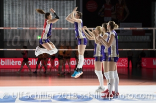 Match start: Laura UNTERNAEHRER (Volero Zurich #17) und Gabi SCHOTTROFF (Volero Zurich #6) im Schweizer Cup Final zwischen Viteos NUC Neuchatel und Volero Zurich; VOLLEYBALL CUP FINAL 2018 am 31 March, 2018 in Fribourg (St. Leonhard-Halle), Schweiz, Photo Credit: Ulf Schiller / freshfocus