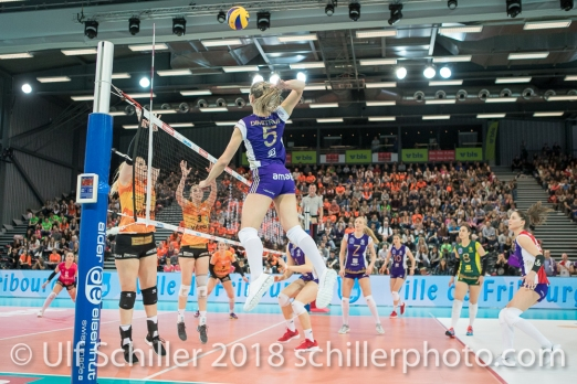 Angriff durch Gergana DIMITROVA (Volero Zurich #5) im Schweizer Cup Final zwischen Viteos NUC Neuchatel und Volero Zurich; VOLLEYBALL CUP FINAL 2018 am 31 March, 2018 in Fribourg (St. Leonhard-Halle), Schweiz, Photo Credit: Ulf Schiller / freshfocus