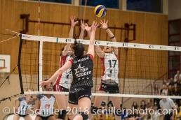 Angriff von Natalia CUKSEEVA (VC Kanti Schaffhausen #14 C) gegen Kristel MARBACH (TS Volley Duedingen #9 C) und Sabel MOFFETT (TS Volley Duedingen #17); Volleyball, NLA 2017/18,, Spiel 2 um Platz 3:, TS Volley Duedingen vs Kanti Schaffhausen am 18 April, 2018 in Duedingen (Sportzentrum Leimacker), Schweiz, Photo Credit: Ulf Schiller / FRESHFOCUS