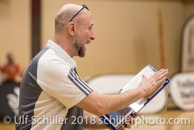 Dario BETTELLO (TS Volley Duedingen, Headcoach); Volleyball, NLA 2017/18,, Spiel 2 um Platz 3:, TS Volley Duedingen vs Kanti Schaffhausen am 18 April, 2018 in Duedingen (Sportzentrum Leimacker), Schweiz, Photo Credit: Ulf Schiller