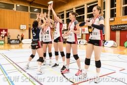 Francine MARX (TS Volley Duedingen #7) bei der Vorbereitung eines Attentats; Volleyball, NLA 2017/18,, Spiel 2 um Platz 3:, TS Volley Duedingen vs Kanti Schaffhausen am 18 April, 2018 in Duedingen (Sportzentrum Leimacker), Schweiz, Photo Credit: Ulf Schiller