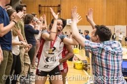 Jubel bei Kerley BECKER (TS Volley Duedingen #2) und Martin Zumwald; Volleyball, NLA 2017/18,, Spiel 2 um Platz 3:, TS Volley Duedingen vs Kanti Schaffhausen am 18 April, 2018 in Duedingen (Sportzentrum Leimacker), Schweiz, Photo Credit: Ulf Schiller