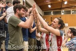 Jubel bei Kerley BECKER (TS Volley Duedingen #2) und Fans; Volleyball, NLA 2017/18,, Spiel 2 um Platz 3:, TS Volley Duedingen vs Kanti Schaffhausen am 18 April, 2018 in Duedingen (Sportzentrum Leimacker), Schweiz, Photo Credit: Ulf Schiller