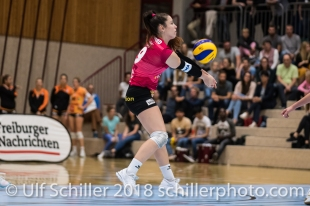 Tabea Dailliard (Viteos NUC #9) Volleyball NLA 2018-2019 TS Volley Duedingen vs Viteos NUC am 17.10.18 im Sportzentrum Leimacker in Duedingen (Schweiz).