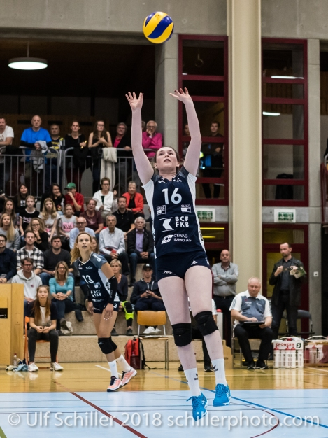 Zoe Kressler (Volley Duedingen #16) Volleyball NLA 2018-2019 TS Volley Duedingen vs Viteos NUC am 17.10.18 im Sportzentrum Leimacker in Duedingen (Schweiz).