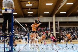 Julie Lengweiler (Viteos NUC #14) Volleyball NLA 2018-2019 TS Volley Duedingen vs Viteos NUC am 17.10.18 im Sportzentrum Leimacker in Duedingen (Schweiz).