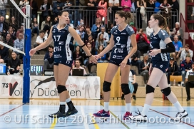 Sabel Moffett (Volley Duedingen #17), Kristel Marbach (Volley Duedingen #9), Brianna Beamish (Volley Duedingen #6) Volleyball NLA 2018-2019 TS Volley Duedingen vs Viteos NUC am 17.10.18 im Sportzentrum Leimacker in Duedingen (Schweiz).