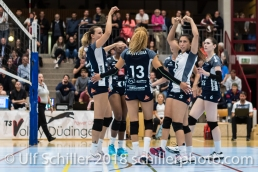 "Hey referee: ""Did you see, the ball was in"" Volleyball NLA 2018-2019 TS Volley Duedingen vs Viteos NUC am 17.10.18 im Sportzentrum Leimacker in Duedingen (Schweiz)."