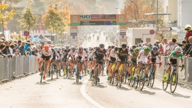 Start of the women's elite race UCI Cyclo-Cross Weltcup Bern 2018 am 21.10.18 im Weyermannshus in Bern (Schweiz).