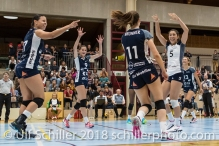 Jubel bei Volley Duedingen nach Punkt durch Sarina Brunner (Volley Duedingen #11) Volleyball Preseason 2018-19 Testmatch am 06.10.18 im Sportzentrum Leimacker in Duedingen (Schweiz).
