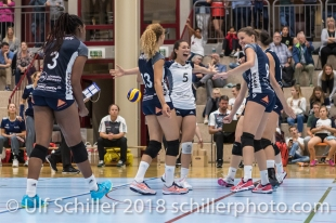 Jubel bei Volley Duedingen mit Thays Deprati (Volley Duedingen #5) Volleyball Preseason 2018-19 Testmatch am 06.10.18 im Sportzentrum Leimacker in Duedingen (Schweiz).