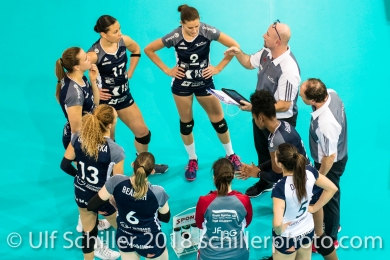 Time out Volley Duedingen with Dario Bettello (Volley Duedingen, Headcoach) 2-429 TS Volley DUEDINGEN vs Fatum NYIREGYHAZA (CEV Cup 1/16th final) on November 28, 2018 at Salle St Leonard in FRIBOURG (Switzerland).