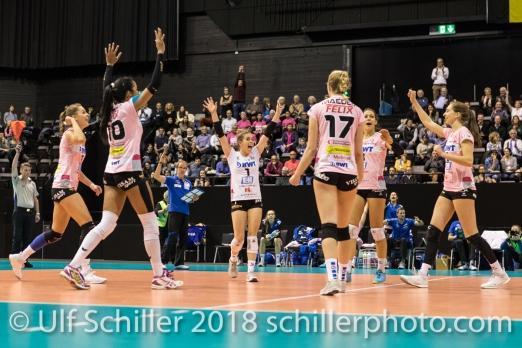 Point by Sm'Aesch Pfeffingen during the Golden Set (l2r: Livia Zaugg (Sm'Aesch Pfeffingen #3), Jessica Ventura (Sm'Aesch Pfeffingen #10), Kristen Tupac (Sm'Aesch Pfeffingen #1), Annalea Maeder (Sm'Aesch Pfeffingen #17), Dora Grozer (Sm'Aesch Pfeffingen #9), Madlaina Matter (Sm'Aesch Pfeffingen #6)) Volleyball CEV Cup 2018-19 SmAESCH PFEFFINGEN (SUI) vs VC OUDEGEM (BEL) on December 5, 2018 at St Jakobs Halle in Basel (Switzerland).