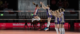 Match start: Volero Zurich: Laura UNTERNAEHRER (Volero Zurich #17) und Gabi SCHOTTROFF (Volero Zurich #6) im Schweizer Cup Final zwischen Viteos NUC Neuchatel und Volero Zurich; VOLLEYBALL CUP FINAL 2018 am 31 March, 2018 in Fribourg (St. Leonhard-Halle), Schweiz, Photo Credit: Ulf Schiller