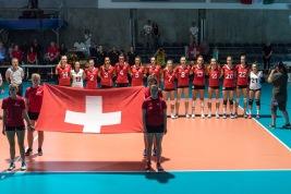 Schweizer Nationalmannschaft: Laura Künzler (SUI), Thays Deprati (SUI), Linda Kronenberg (SUI), Livia Zaugg (SUI), Gabi Schottroff (SUI), Korina Perkovac (SUI), Madlaina Matter (SUI), Meline Pierret (SUI), Maja Storck (SUI), Xenia Staffelbach (SUI), Anika Schwoerer (SUI), Olivia Wassner (SUI), Mathilde Engel (SUI) Volleyball EM-Qualifikation Schweiz - Albanien am 22.08.18 in der Betoncoupe Arena in Schoenenwerd (Schweiz). Photo Credit: Ulf Schiller