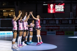 Sm'Aesch Pfeffingen mit Madlaina Matter (Sm'Aesch Pfeffingen #6) Volleyball Mobiliar Supercup 2018 Sm'Aesch Pfeffingen vs Viteos NUC am 07.10.18 im Mobiliar Arena in Guemligen (Schweiz).