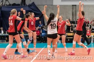 Jubel beim Team der Schweiz Volleyball European Championship Qualification Women Switzerland vs Austria on January 9, 2019 at Betoncoupe Arena in Schoenenwerd (Switzerland).