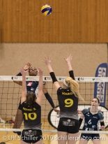Danielle Harbin (Volley Duedingen #3) against BERGER Shanon (Geneve Volley #10) and HARDY Meredith (Geneve Volley #9) Volleyball Mobiliar Cup 2019 Women TS Volley Duedingen x Geneve Volley on January 13, 2019 at Sportanlage Leimacker in Duedingen (Switzerland).