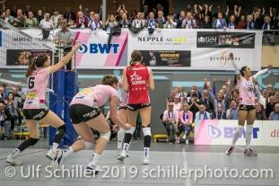 Big point fuer Sm'Aesch Pfeffingen; Volleyball NLA 2018-19 Playoffs Final Game 1 Sm'Aesch Pfeffingen vs NUC UC on April, 11, 2019 in Aesch (Switzerland).