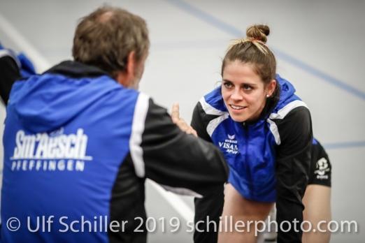 Kristen Tupac (Sm'Aesch Pfeffingen #1) bekommt Anweisungen vor dem Match von Andreas Vollmer (Headcoach Sm'Aesch Pfeffingen); Volleyball NLA 2018-19 Playoffs Final Game 1 Sm'Aesch Pfeffingen vs NUC UC on April, 11, 2019 in Aesch (Switzerland).