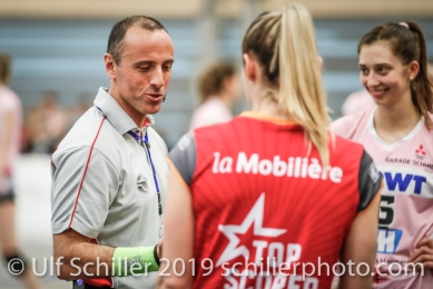 Cedric Grellier with the two captains before the match; Volleyball NLA 2018-19 Playoffs Final Game 1 Sm'Aesch Pfeffingen vs NUC UC on April, 11, 2019 in Aesch (Switzerland).
