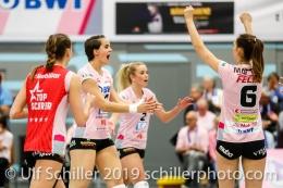 Jubel bei Sm'Aesch Pfeffingen nach Punkt durch Gabi Schottroff (Sm'Aesch Pfeffingen #4) (Mitte) Volleyball NLA 2018-19 Playoffs Final Game 1 Sm'Aesch Pfeffingen vs NUC UC on April, 11, 2019 in Aesch (Switzerland).
