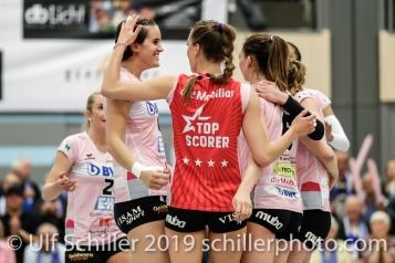 Jubel bei Sm'Aesch Pfeffingen nach Punkt durch Gabi Schottroff (Sm'Aesch Pfeffingen #4); Volleyball NLA 2018-19 Playoffs Final Game 1 Sm'Aesch Pfeffingen vs NUC UC on April, 11, 2019 in Aesch (Switzerland).