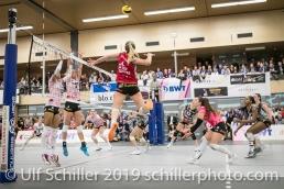 Angriff von Tia Scambray (Viteos NUC #16); Volleyball NLA 2018-19 Playoffs Final Game 1 Sm'Aesch Pfeffingen vs NUC UC on April, 11, 2019 in Aesch (Switzerland).