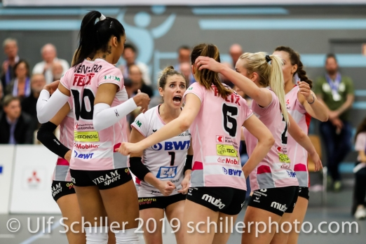 Jubel bei Sm'Aesch Pfeffingen... in der Mitte Kristen Tupac (Sm'Aesch Pfeffingen #1); Volleyball NLA 2018-19 Playoffs Final Game 1 Sm'Aesch Pfeffingen vs NUC UC on April, 11, 2019 in Aesch (Switzerland).