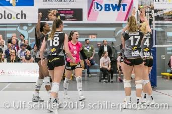 Jubel bei Viteos NUC mit Tabea Dailliard (Viteos NUC #9) (Mitte); Volleyball NLA 2018-19 Playoffs Final Game 1 Sm'Aesch Pfeffingen vs NUC UC on April, 11, 2019 in Aesch (Switzerland).